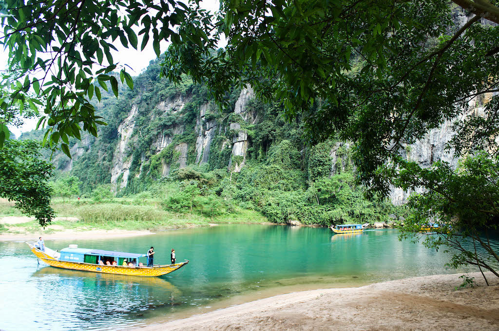 Son River - Entrance to Phong Nha Cave